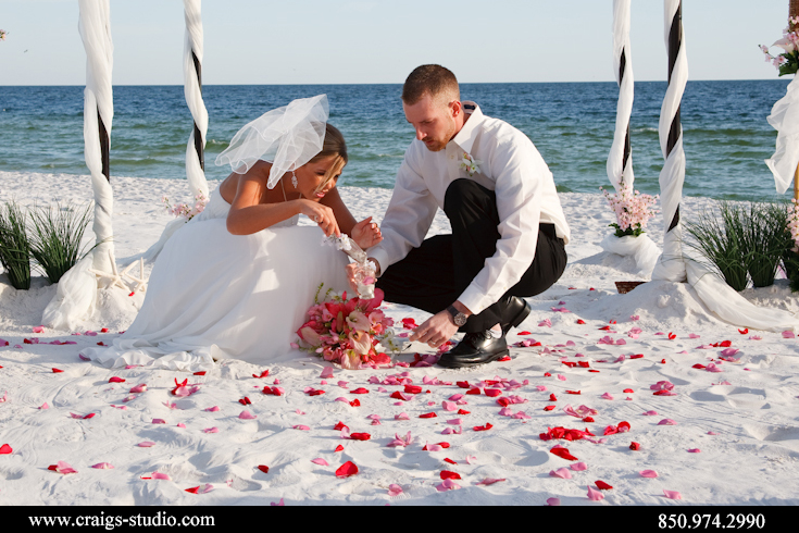 The ceremony was performed by Sugar Beach Weddings